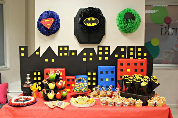 Tarta Superheroes Decorada Con Eva